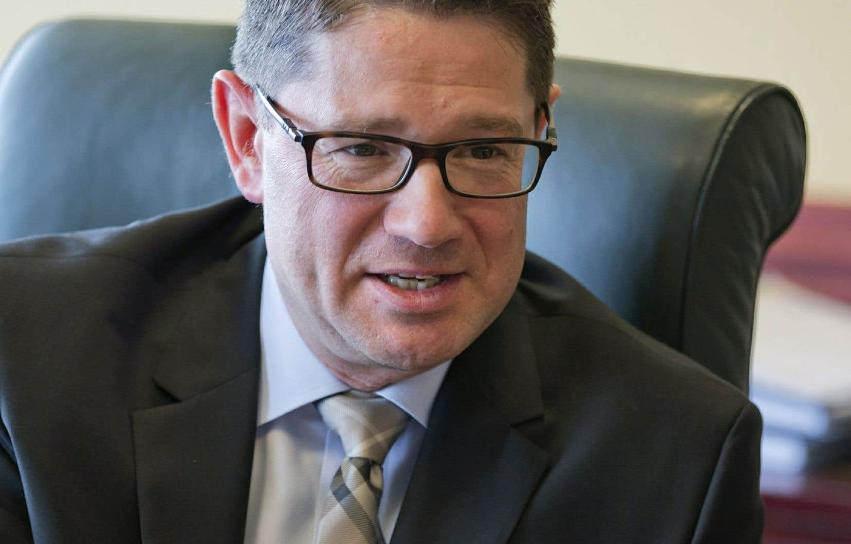 Le président-directeur général d'Hydro-Québec, Éric Martel, s'est à son tour porté à la défense des contrats signés par Hydro-Québec avec TransCanada et Gaz Métro pour le maintien de la centrale au gaz de Bécancour jusqu'en 2036.