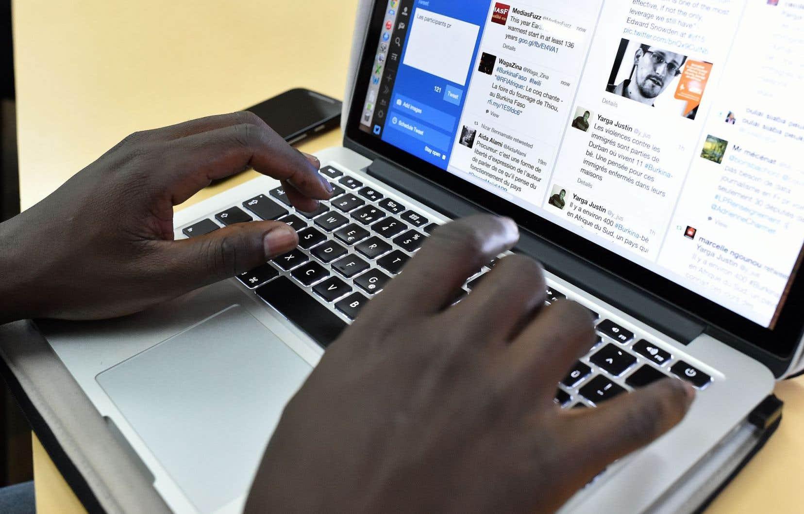 Le nombre d'internautes est passé de 1 milliard en 2005 à 3,2 milliards à la fin de 2015.