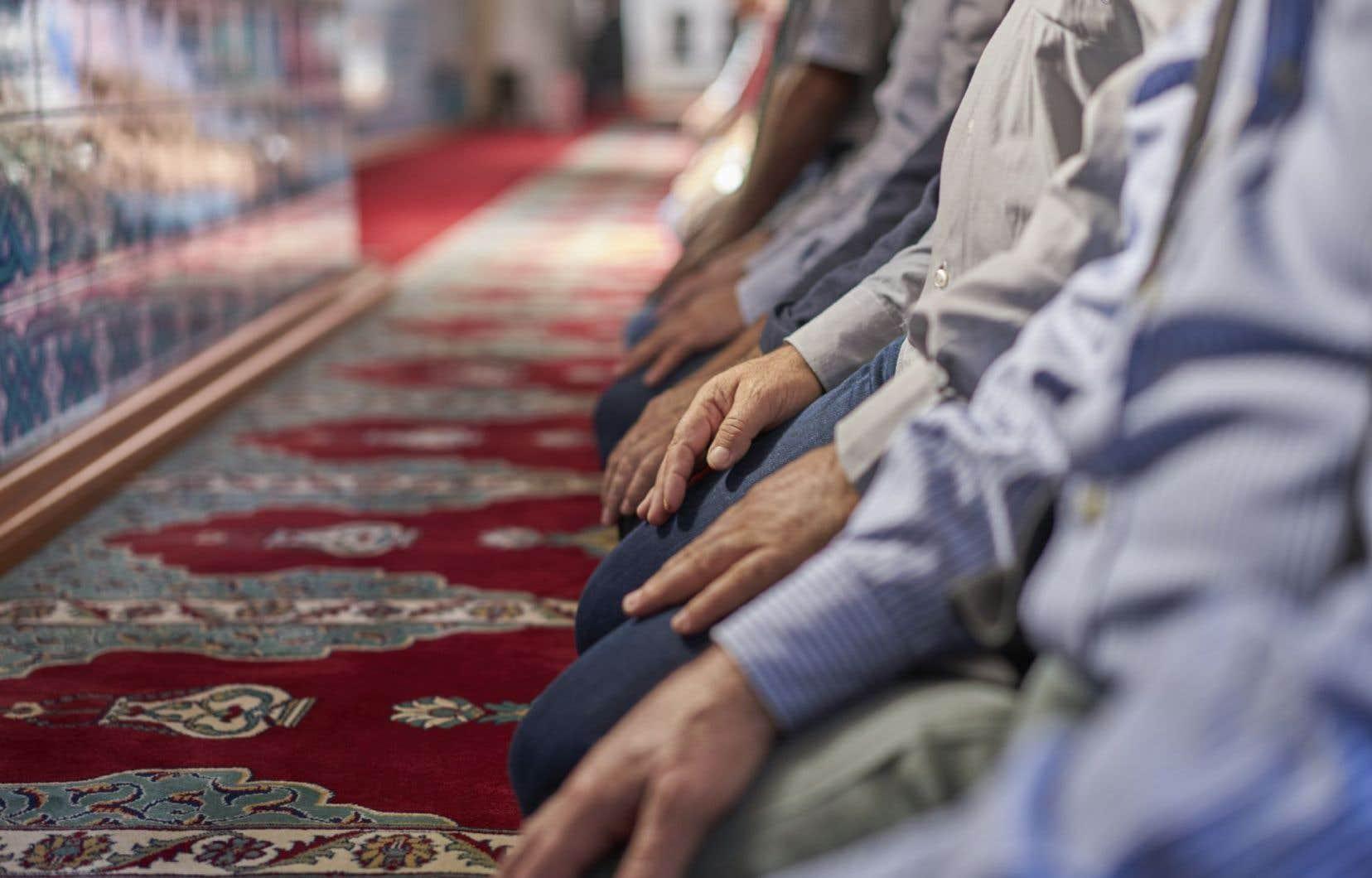 Près de68 % des Québécois disent avoir une opinion positive des gens ayant une autre religion.