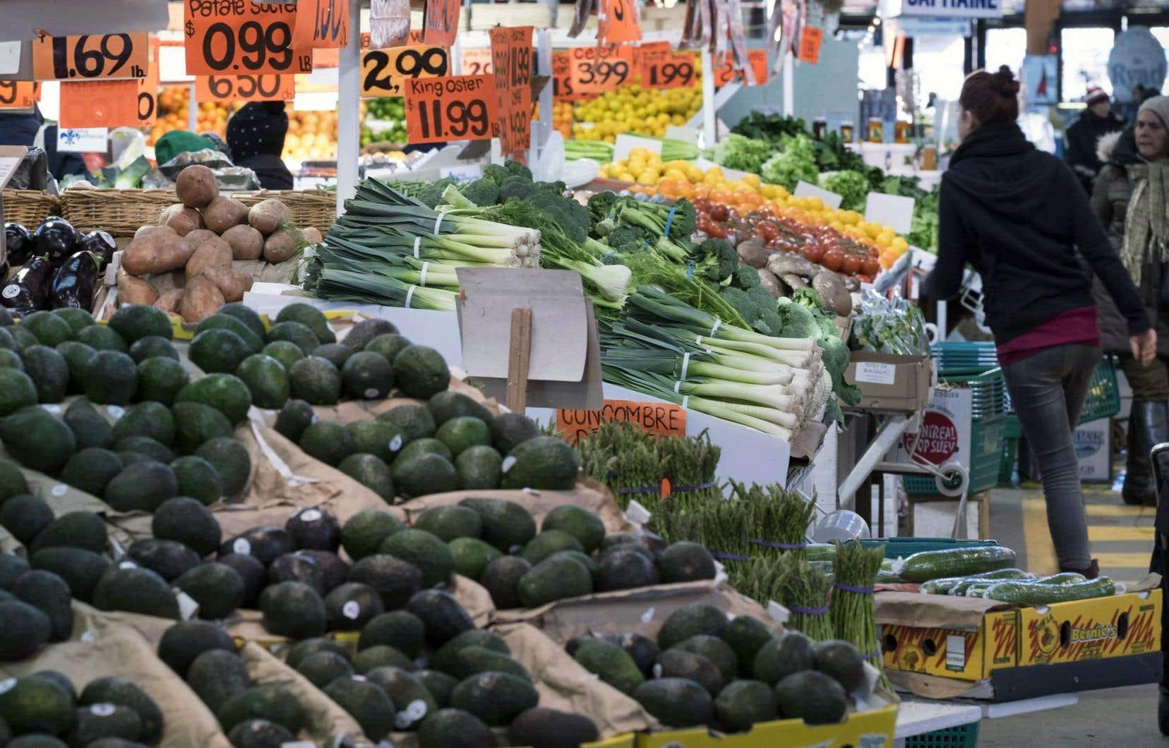 Des étals au marché Jean-Talon,à Montréal