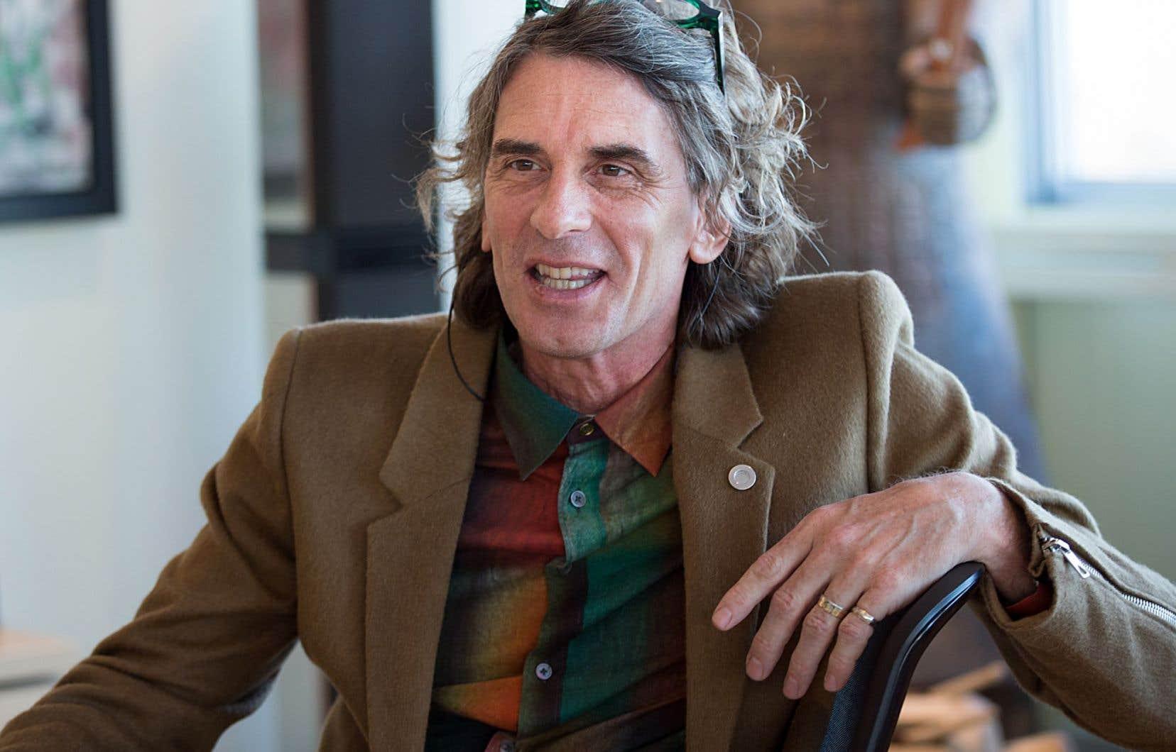 Le chef de la direction créative du Cirque du Soleil, Jean-François Bouchard, est né à Sept-Îles.