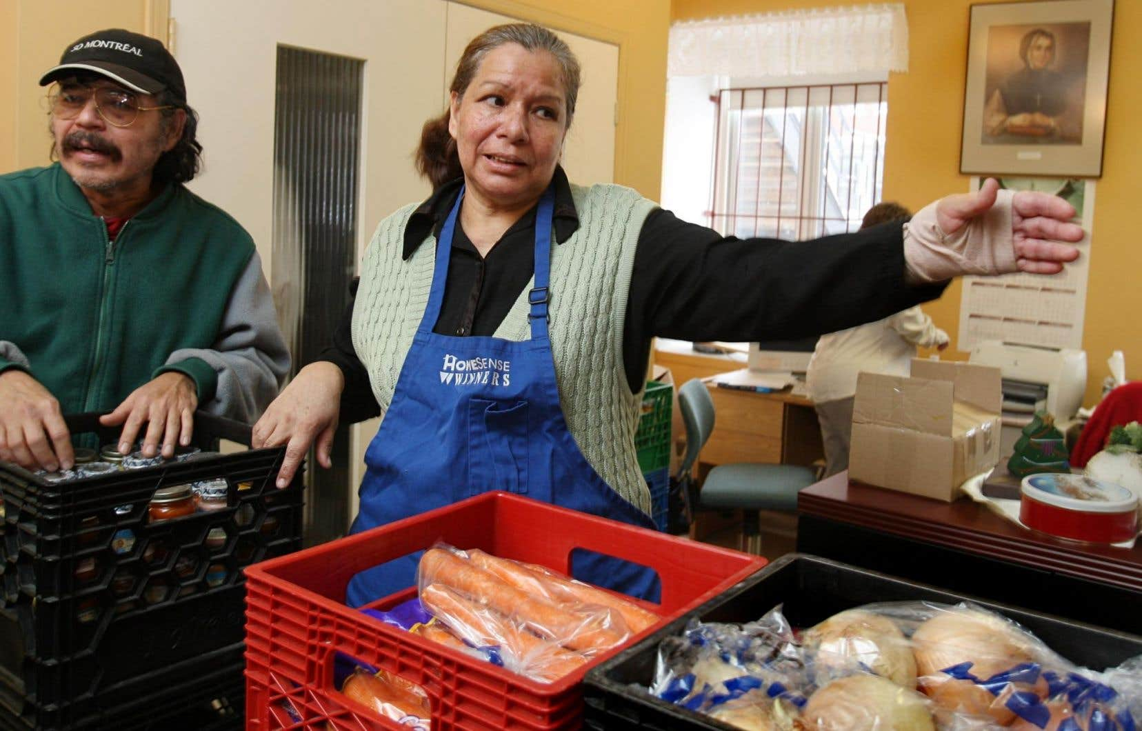 La hausse du prix des aliments fait en sorte que les organismes d'aide reçoivent moins de dons.