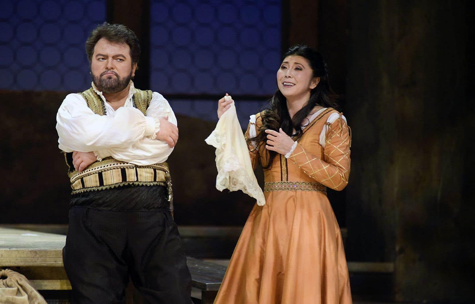 Kristian Benedikt (Otello) et Hiromi Omura (Desdémone)
