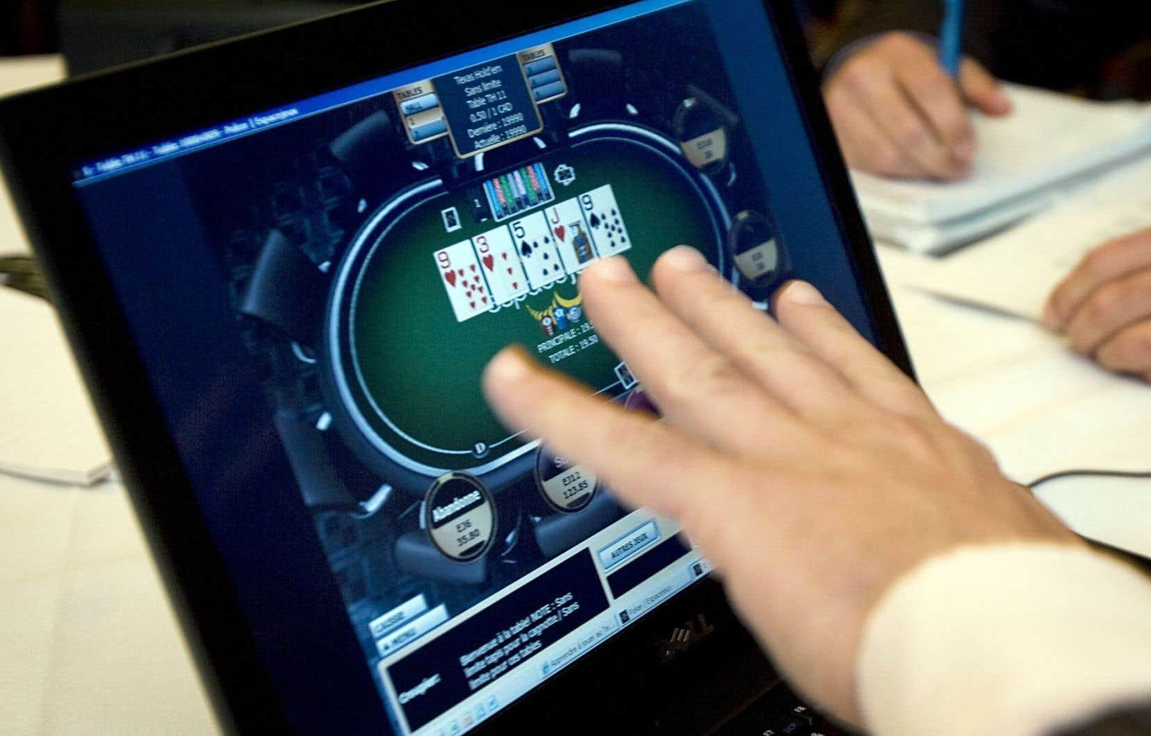 Les jeunes s'adonnent de moins en moins aux jeux d'argent.