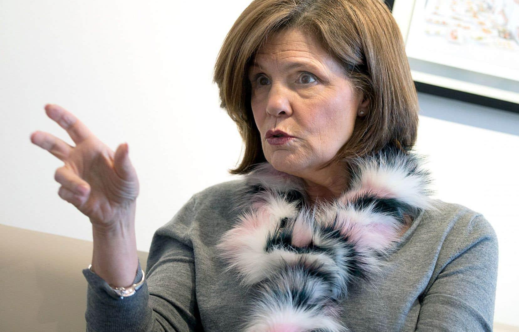 Liza Frulla compte se battre pour que l'ITHQ puisse offrir des diplômes universitaires. Elle dit souhaiter un vote unanime.