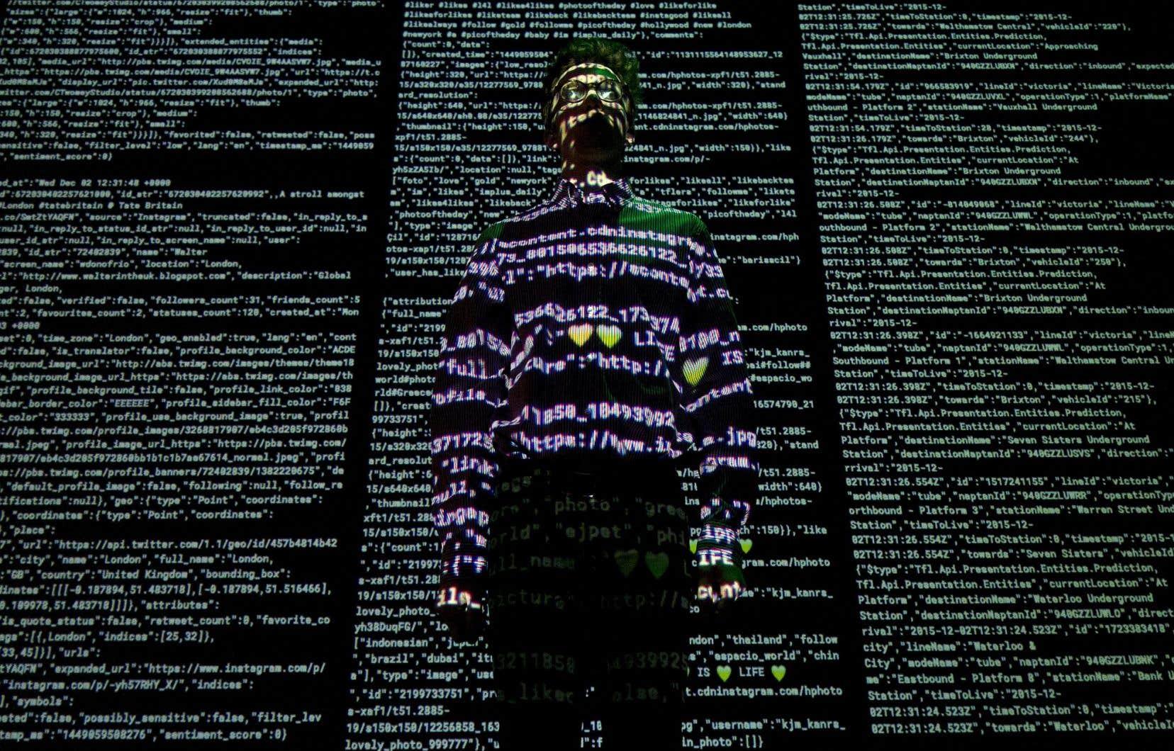 Une création artistique intitulée «London Situation Room» et réalisée par Future Cities Catapult et Tekja dans le cadre de l'exposition «Big Bang Data», qui se tenait à Londres, en décembre dernier.