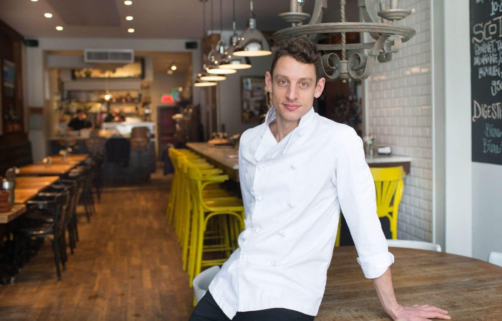 Le chef copropriétaire du Tuck Shop, Theo Lerikos