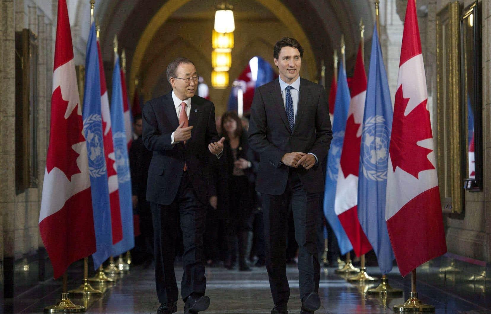 Le secrétaire général des Nations unies était en visite à Ottawa jeudi alors que le gouvernement Trudeau planche sur une nouvelle politique d'implication dans les missions de paix.
