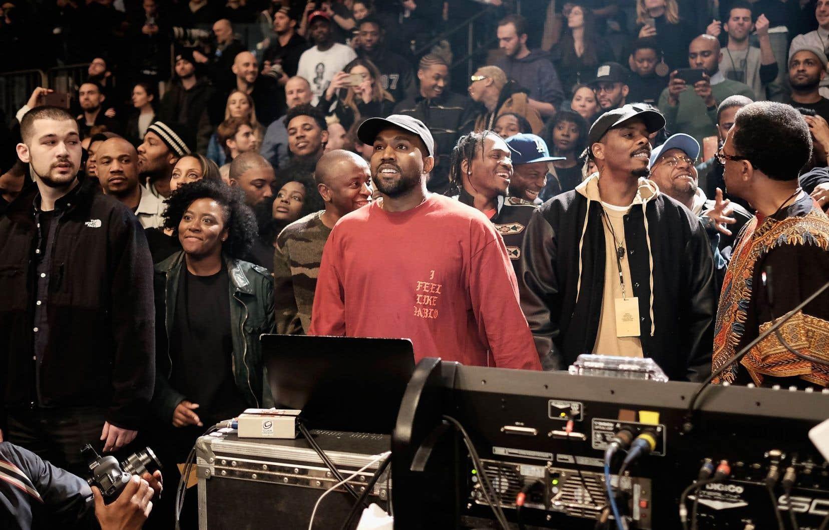 Kanye West a promis de remettre en vente «The Life of Pablo» la semaine prochaine après l'avoir fignolé. Entre-temps, il s'est accordé une pause hors des studios pour prendre part à la cérémonie des prix Grammy de lundi soir.