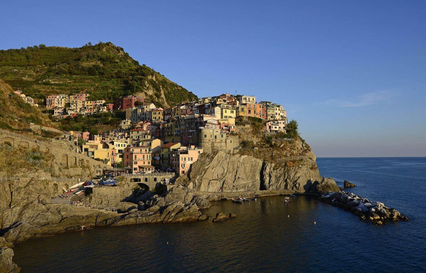 Une vue générale du village de Manarola, dans les Cinque Terre, en Italie
