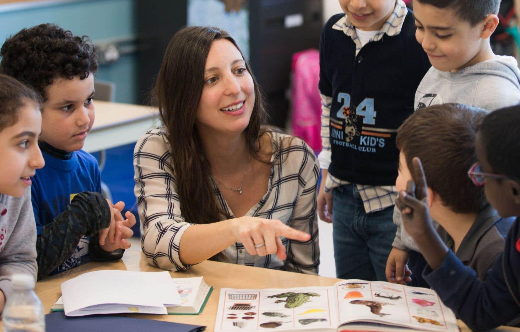Les élèves d'Evelyn Bissonnette, ignorant pour la plupart le français à leur arrivée, ont mis peu de temps à l'utiliser avec aisance.