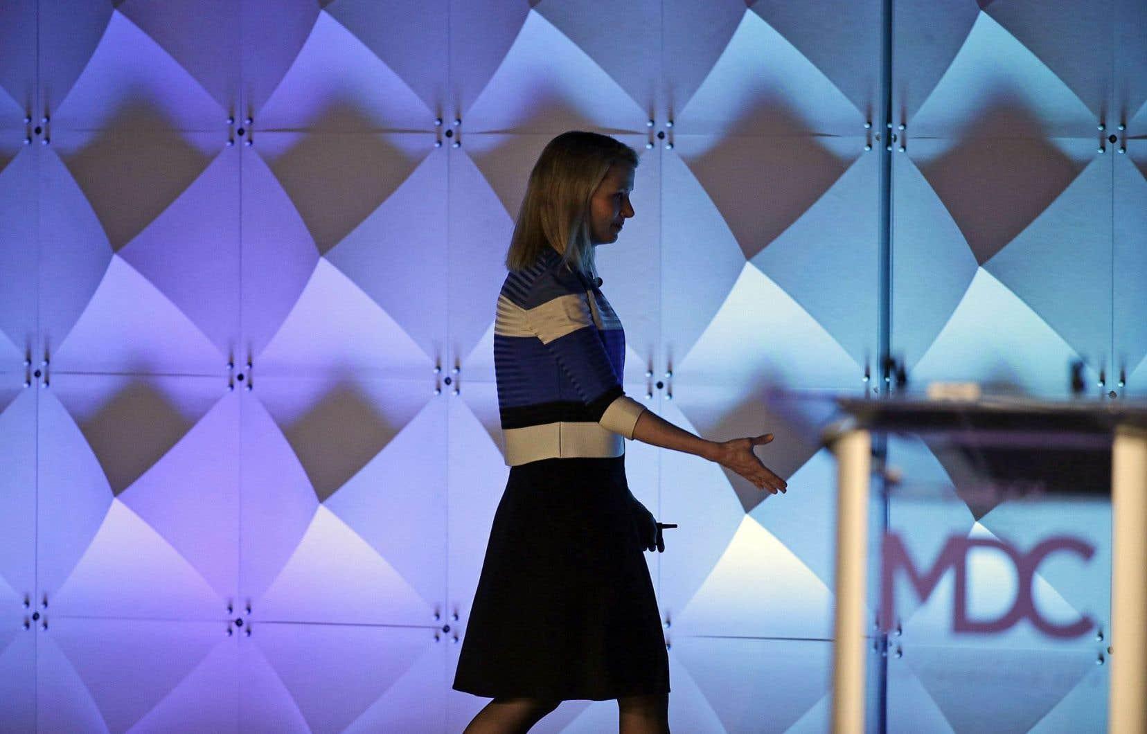 Début février, Yahoo! a annoncé un plan de restructuration avec une réduction de 15% des effectifs et une rationalisation de ses activités.