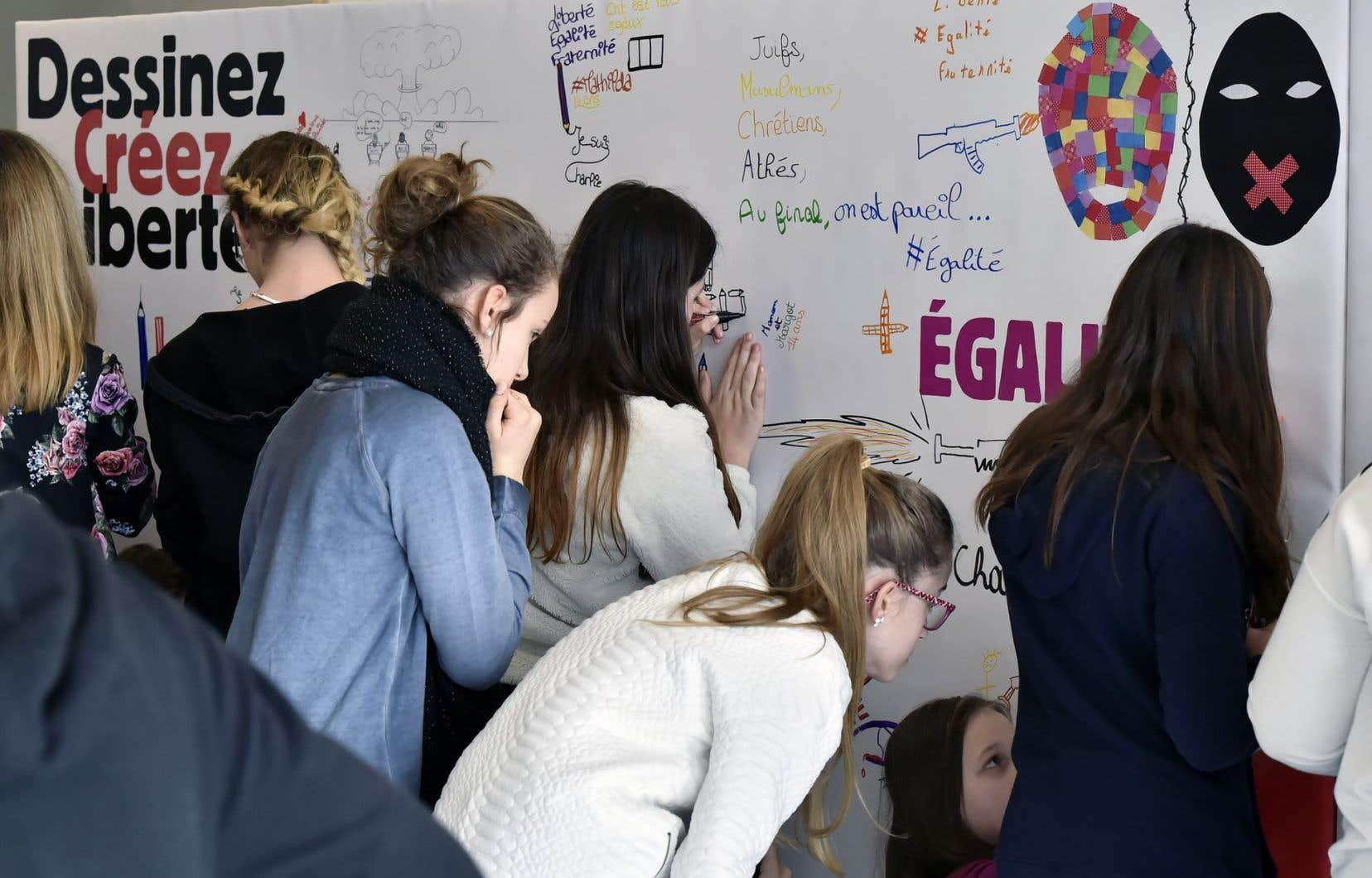 Beaucoup de jeunes ont découvert le journal «Charlie Hebdo» après les attentats de 2015.