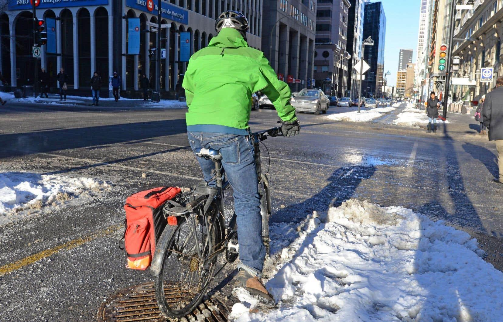 «En employant devant le conseil municipal l'exemple très mal choisi de la formation sur le vélo d'hiver que j'ai donnée, c'est devant tous les Montréalais et Montréalaises que vous m'avez rabaissé», dit le bénévole Laurent Deslauriers.