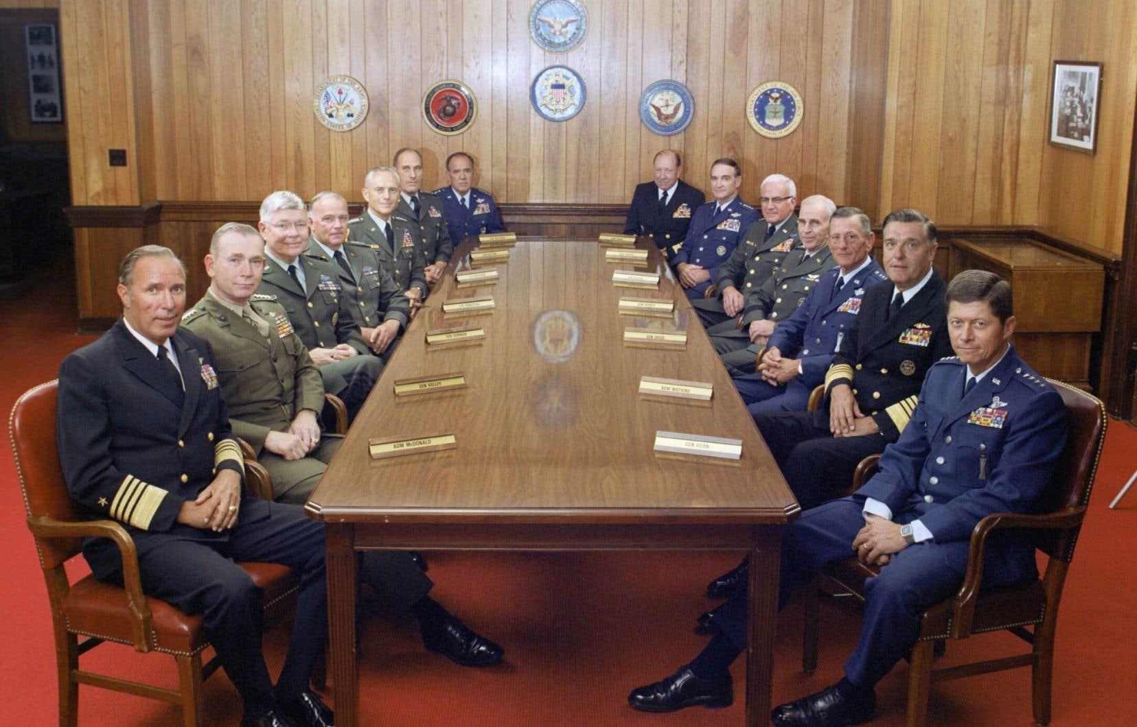 Michael Moore part du constat que la puissante armée américaine n'a remporté aucune grande bataille depuis la Deuxième Guerre mondiale…