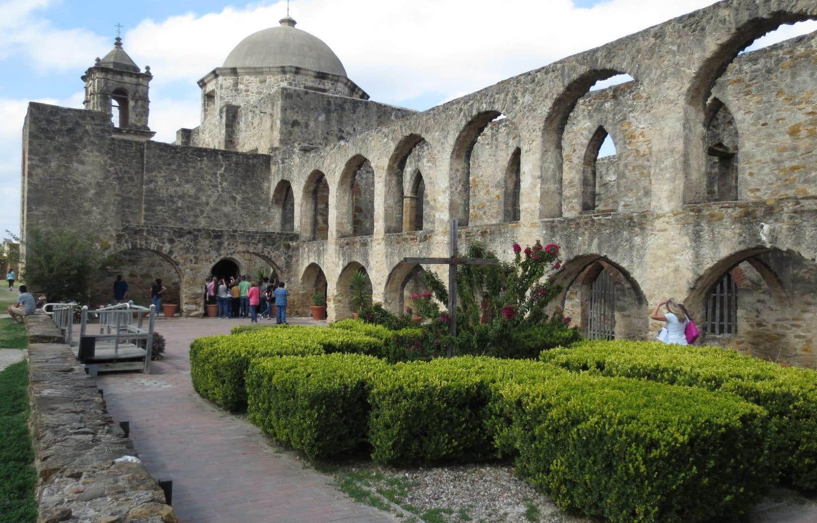 La mission San José est la plus grande et la mieux restaurée des missions espagnoles de San Antonio. Des messes sont encore célébrées dans sa chapelle. Ces missions forment l'ensemble colonial espagnol le plus important des États-Unis.