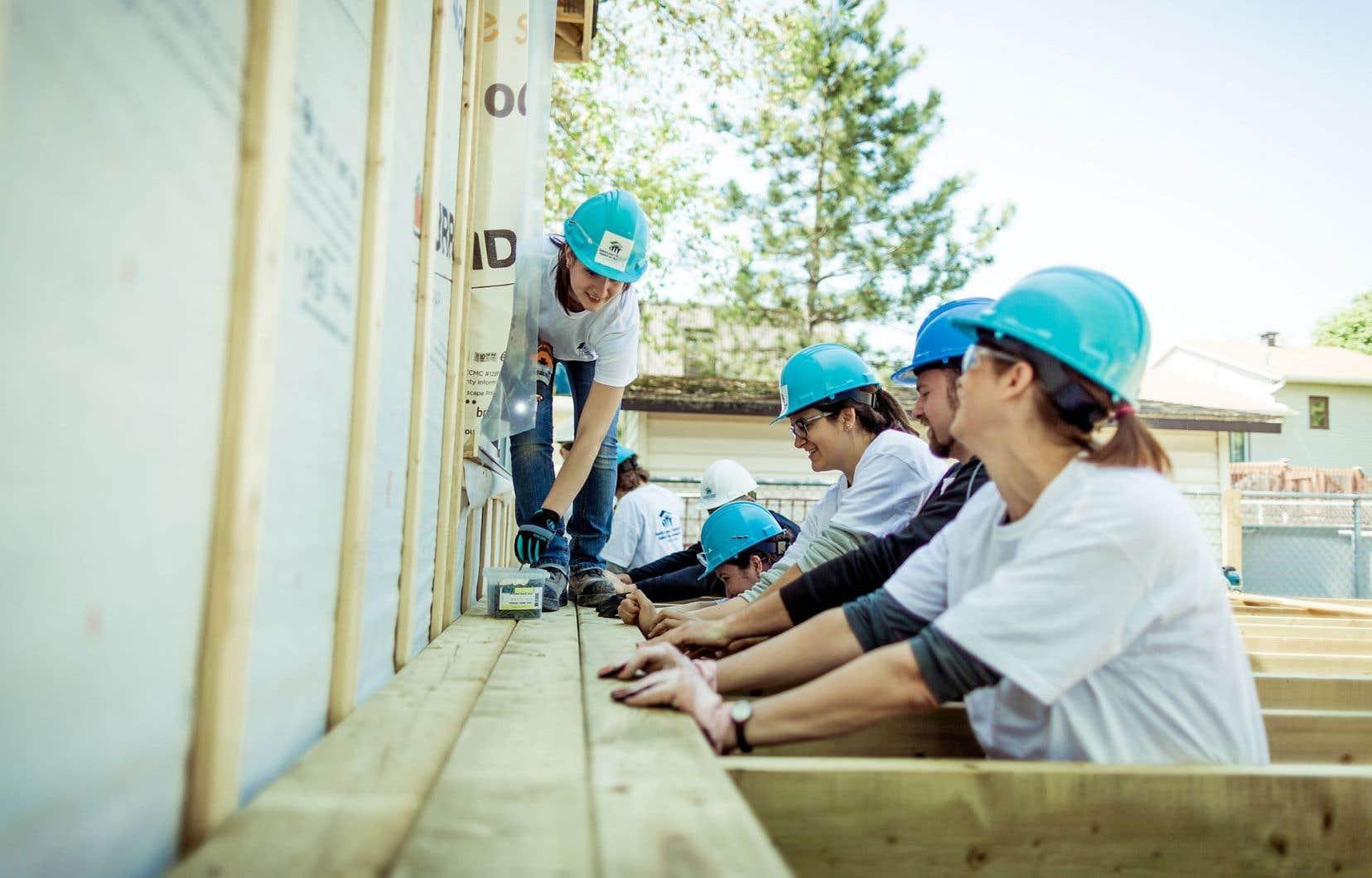 Pour 2016, quatre familles seront logées. HHQ construira un duplex dans le quartier Saint-Henri ainsi que deux maisons jumelées sur la rue Thibault à Sherbrooke.