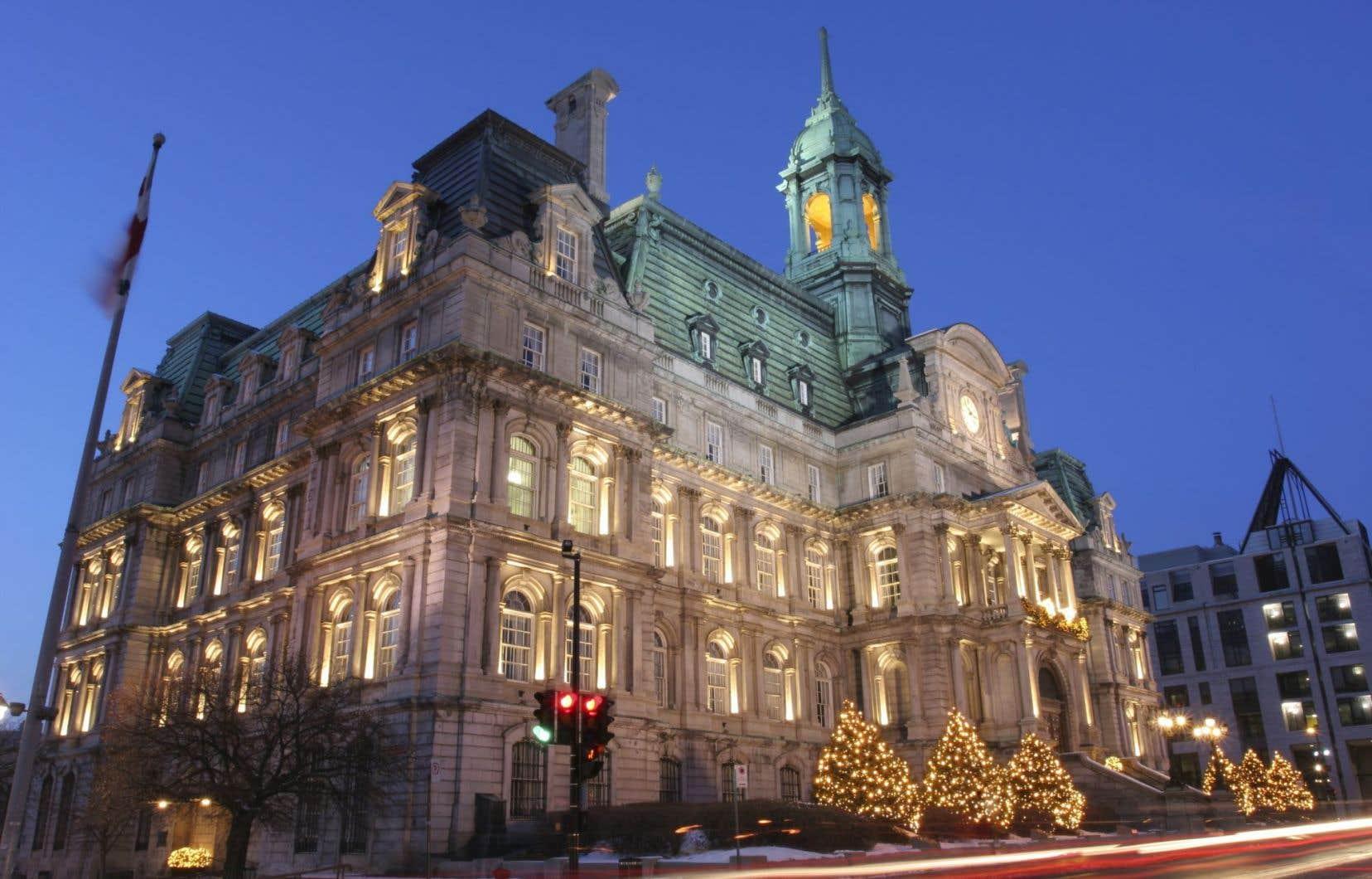 Dans une décision rendue le 26 février, le juge administratif Pierre Flageole conclut que ni la Loi sur les cités et villes ni la Charte de la Ville ne permettent aux élus du comité exécutif de la ville centre de congédier des employés.
