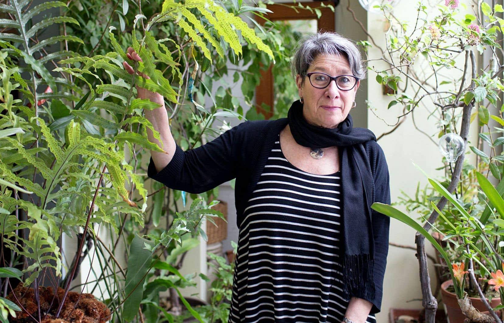 L'auteure Christiane Duchesne se distingue par son souci constant d'allumer l'imaginaire de ses lecteurs.