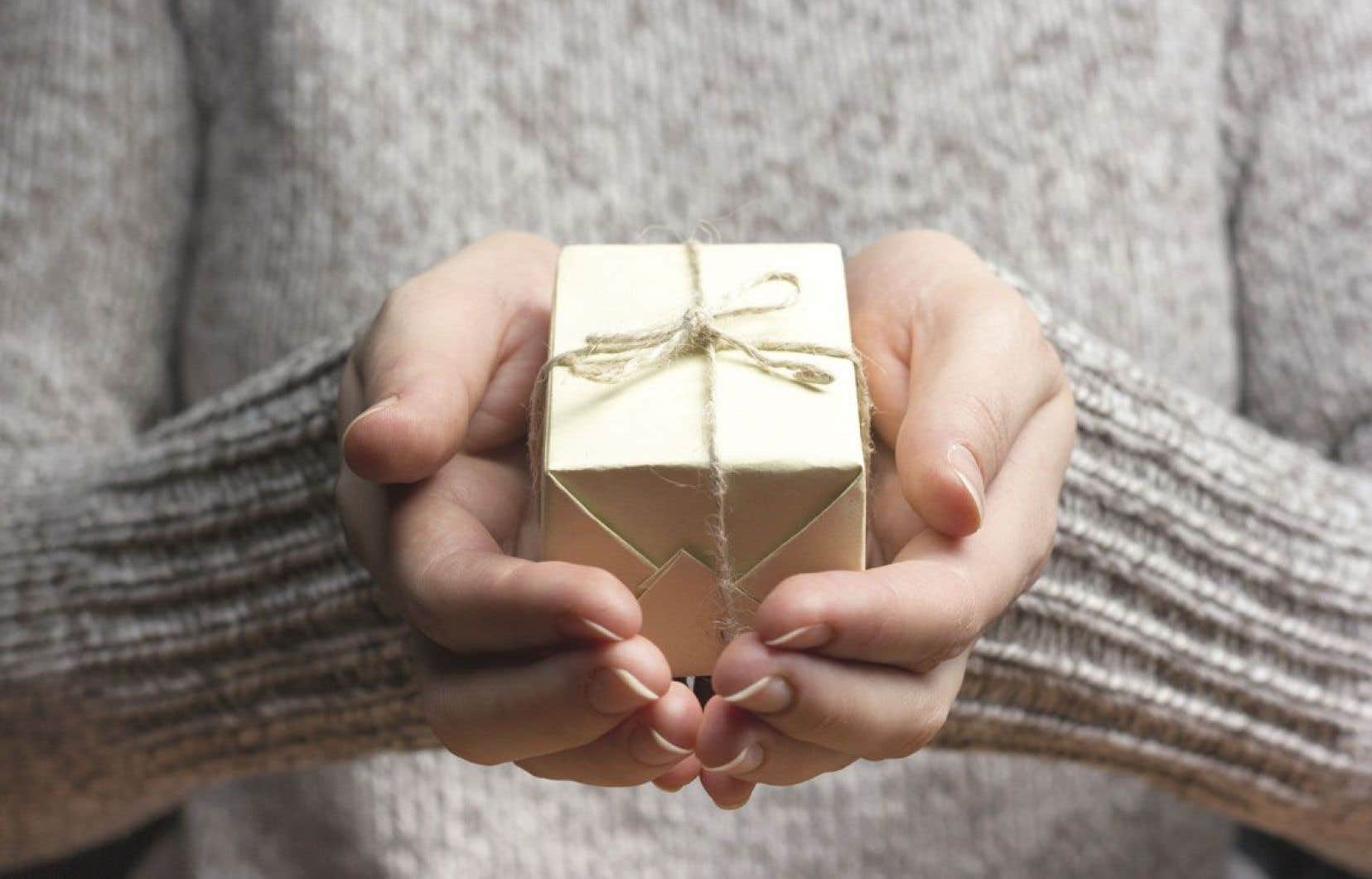 Phénomène commun à toutes les sociétés et à toutes les époques, le don appelle ce que Marcel Mauss appelle un «contre-don». On dit aussi rendre la politesse.