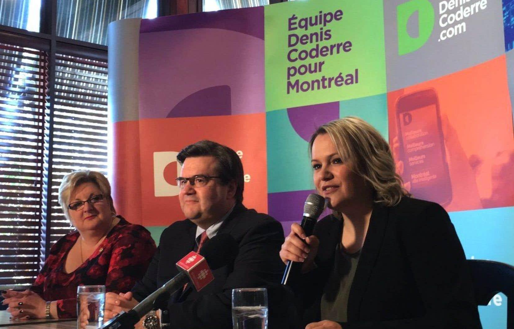 Denis Coderre présentait samedi matin la candidate d'Équipe Denis Coderre à la mairie de Montréal-Nord, Christine Black.