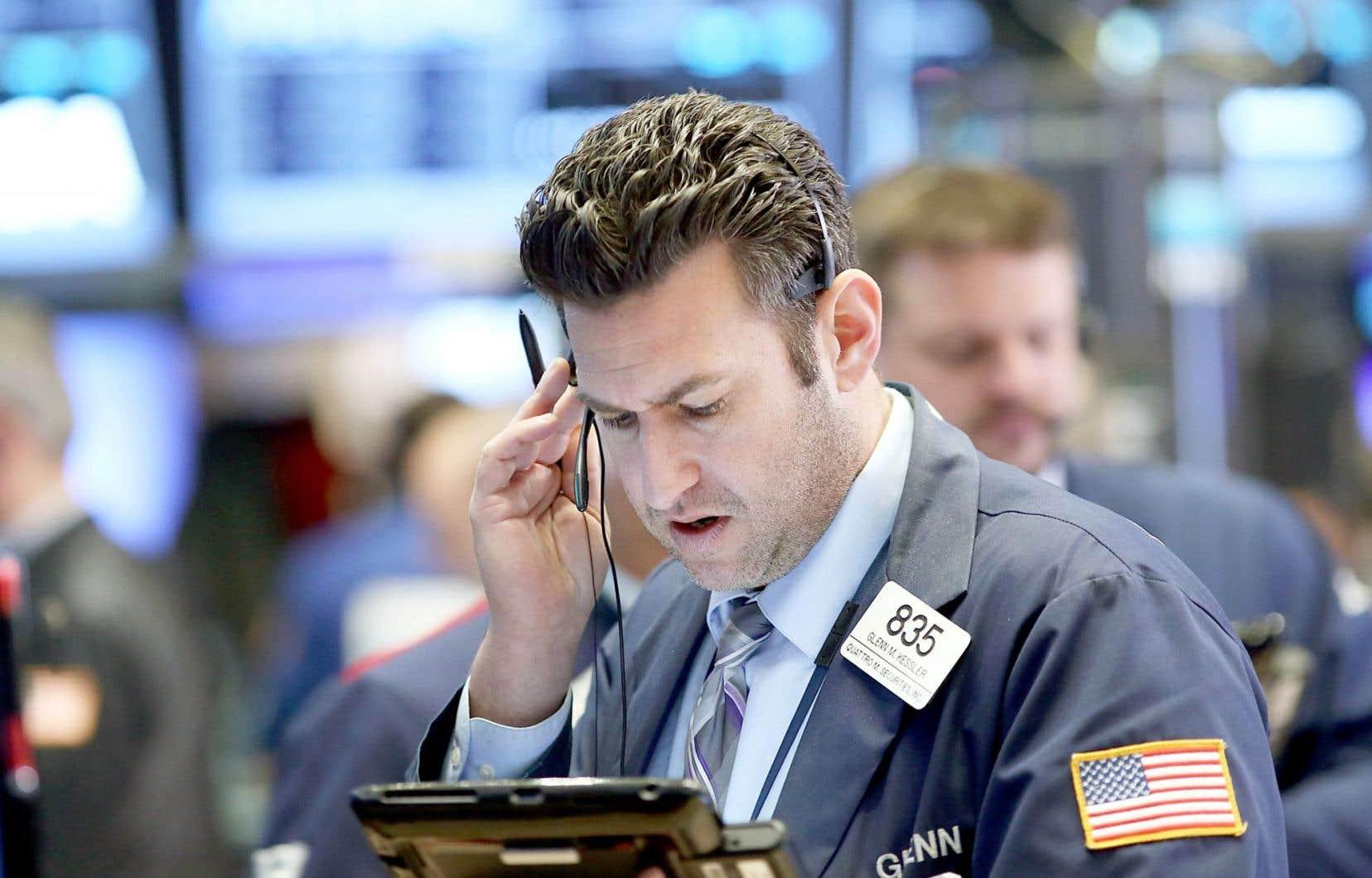 La rémunération moyenne des courtiers et des banquiers à Wall Street équivaut à six fois le revenu moyen versé dans le secteur privé à New York.