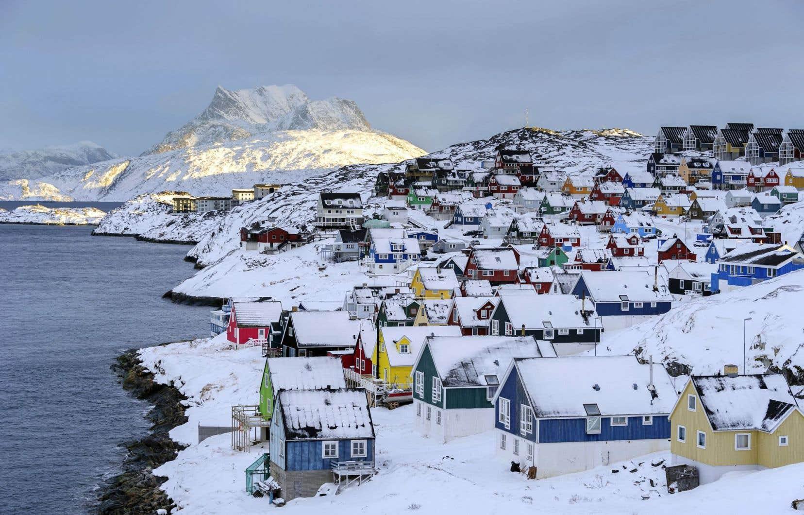 Immense territoire de glace habité depuis plus de 4000 ans, le Groenland revendique un taux d'alphabétisation de 100% depuis 1860.