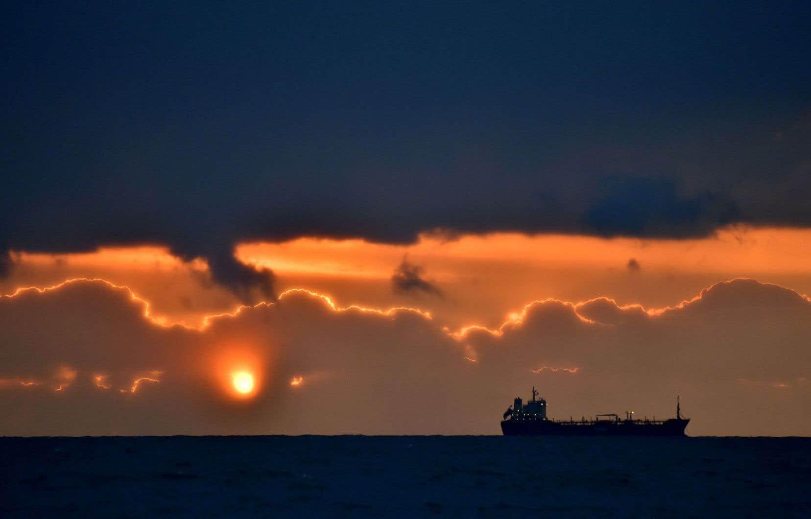 Un pétrolier au large de Saint-Nazaire, en France