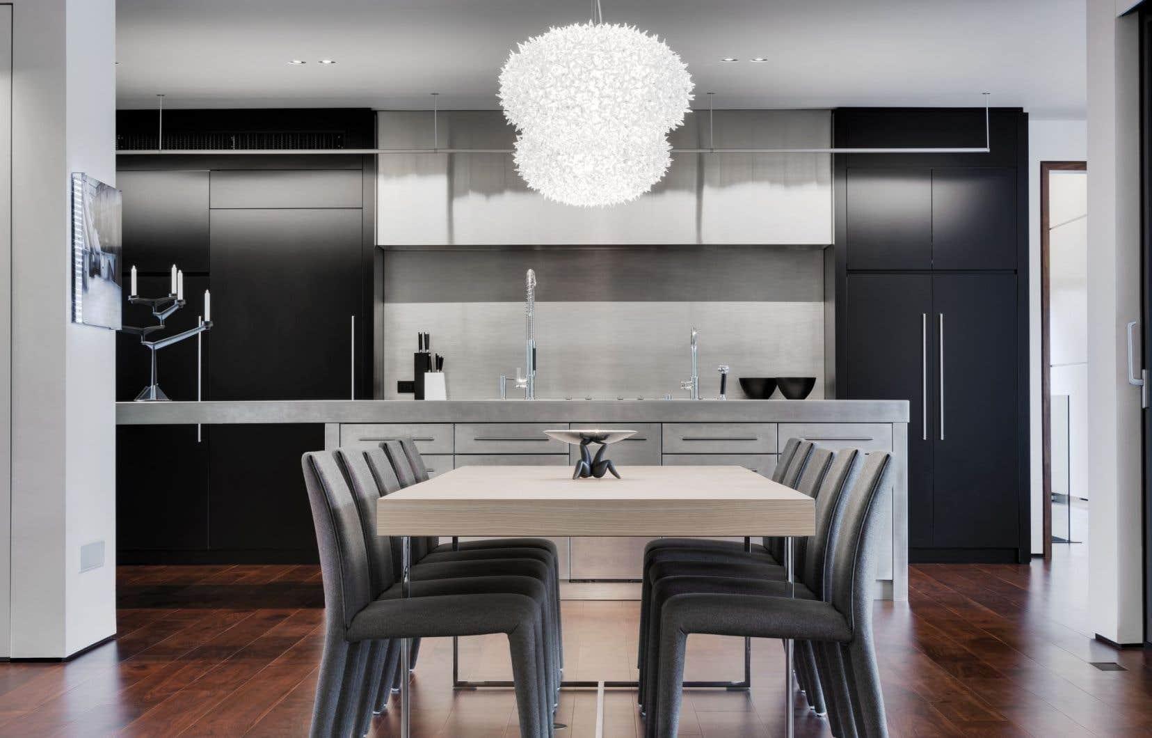 Réalisé en 2012, le projet Iron Lace, de la firme Desjardins Bherer, a été couronné l'année suivante d'un Grand Prix du design dans la catégorie Espace résidentiel de plus de 3200 pi2.