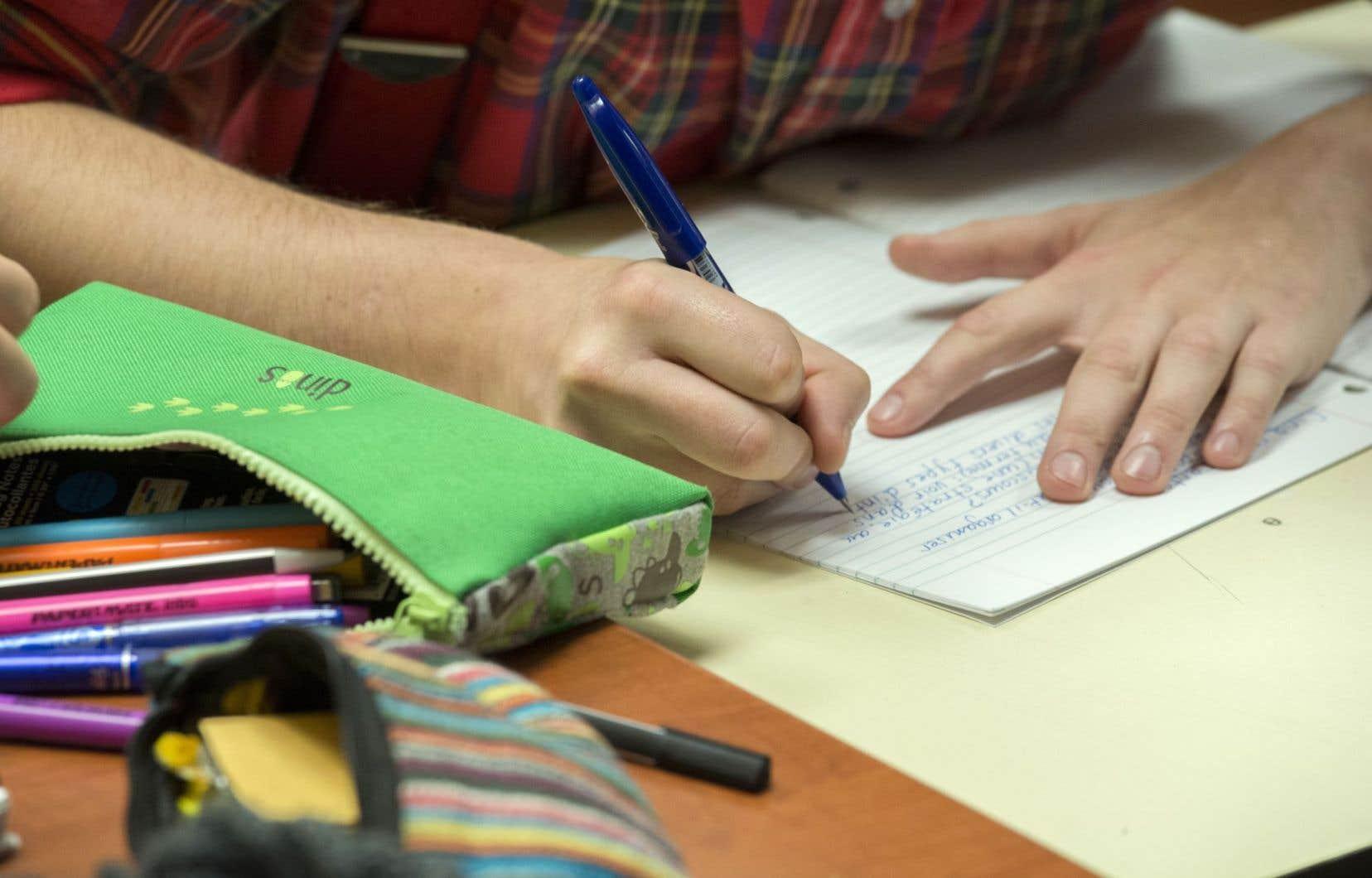 La chercheuse déplore que le dépistage des élèves à risque ne soit pas encore généralisé au Québec.