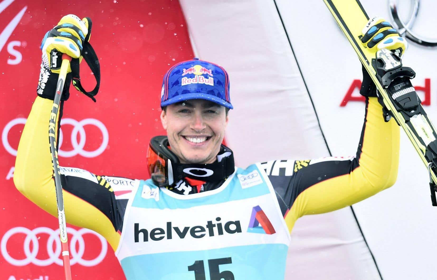Erik Guay a terminé en 3eplace de l'épreuve de descente des finales de la Coupe du monde de ski alpin à Saint-Moritz.