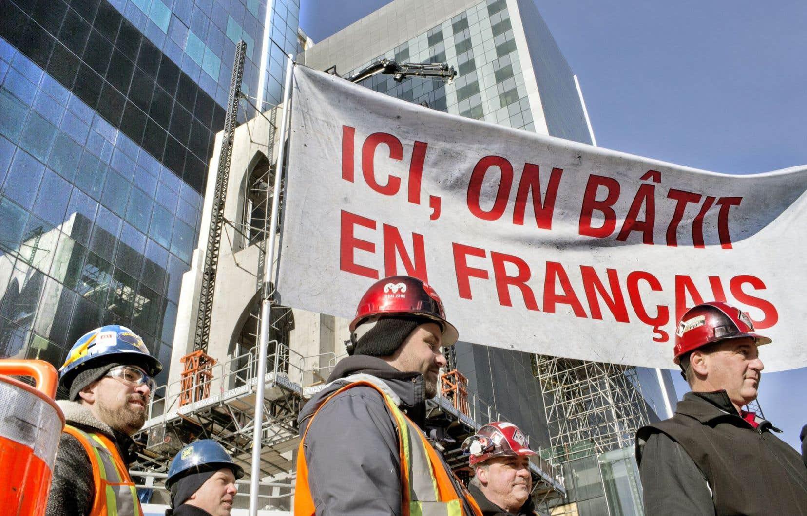 Au Québec, la main-d'œuvre qui travaille généralement en français dans les entreprises s'élevait à 70,8% en 1989 pour tomber à 59,7% en 2010.