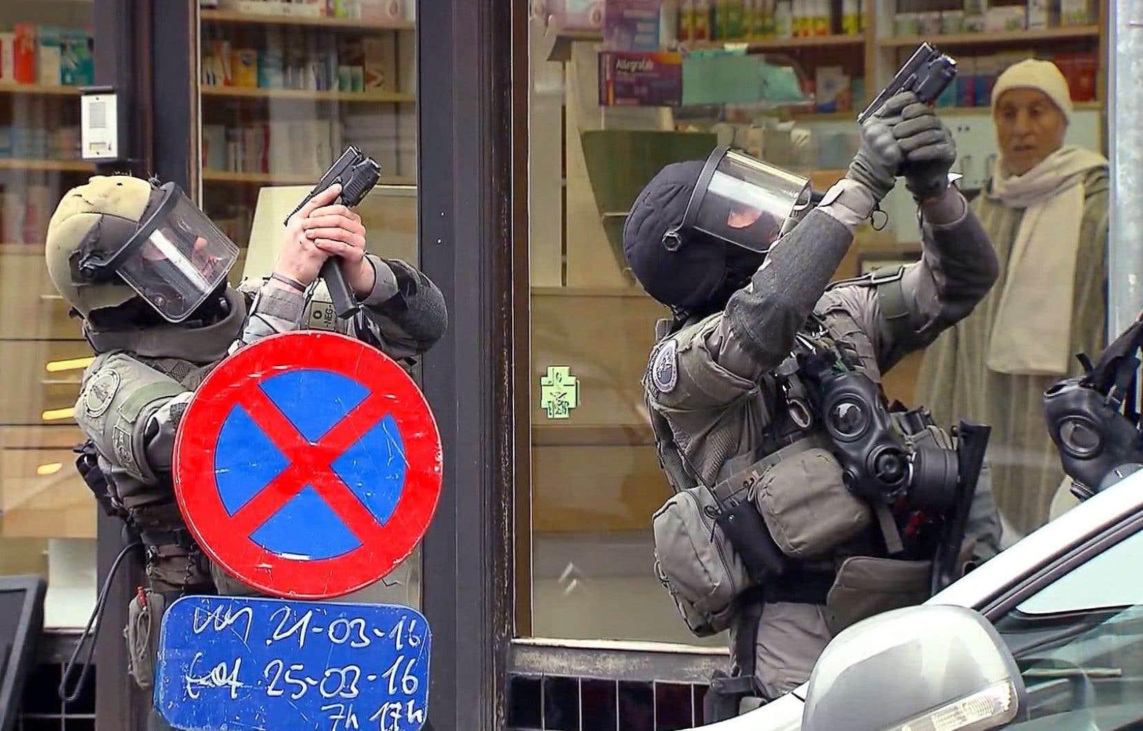 Il aura fallu aux policiers belges et français quatre mois d'une traque permanente pour appréhender le terroriste de 26ans.