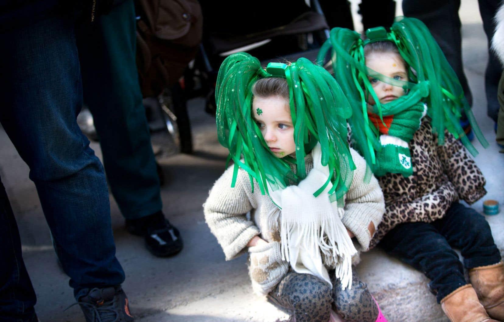 Plusieurs milliers de personnes ont assisté au défilé de la Saint-Patrick de Montréal.