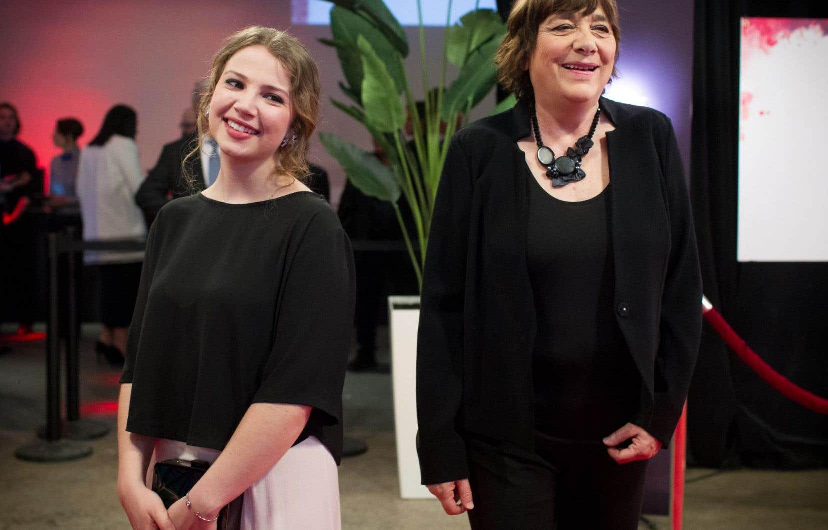 La comédienne Lysandre Ménard et la réalisatrice Léa Pool sur la tapis rouge du Gala du cinéma québécois.
