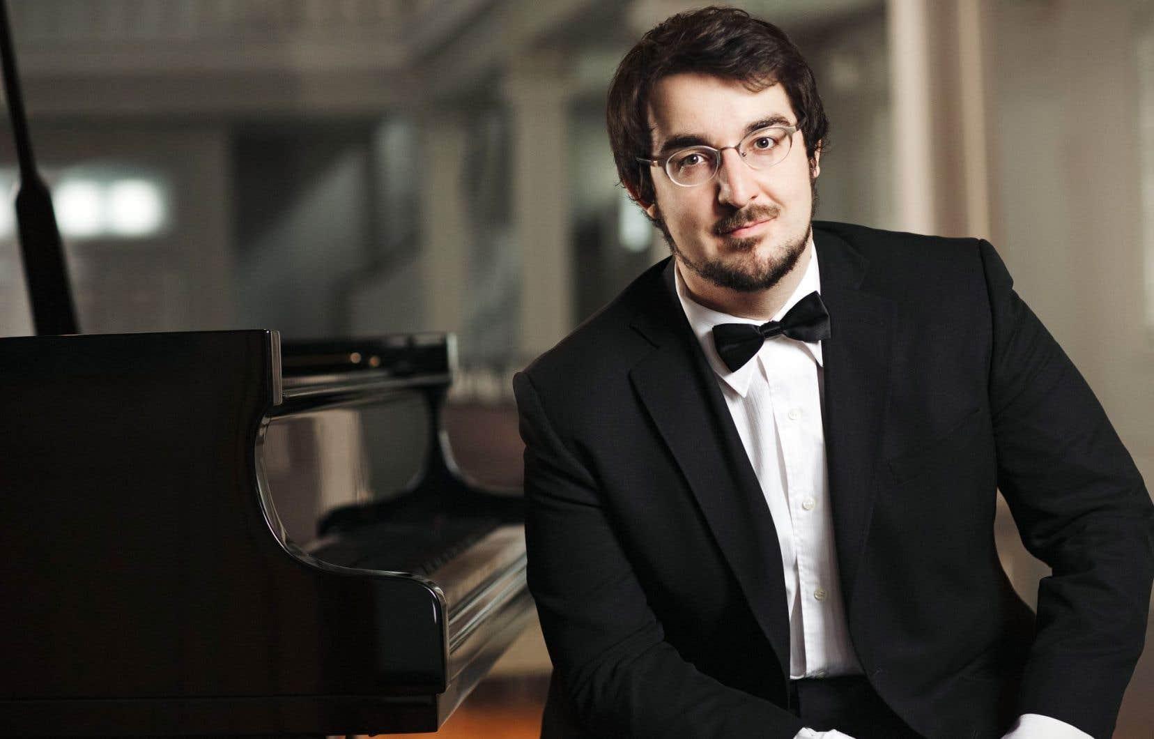 La fin de la saison proposera le concert le plus original, avec une nouvelle transcription du Bœuf sur le toit de Milhaud et la présence de Charles Richard-Hamelin pour le 1erConcerto grosso de Bloch.