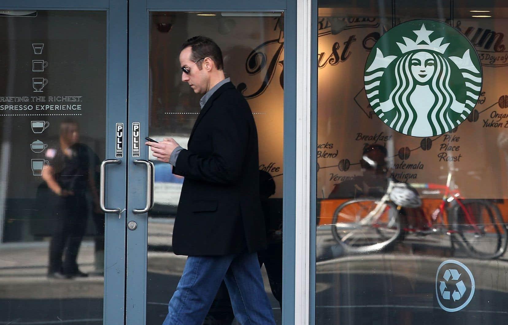 L'opération concerne l'ensemble des 7600 cafés à travers les États-Unis