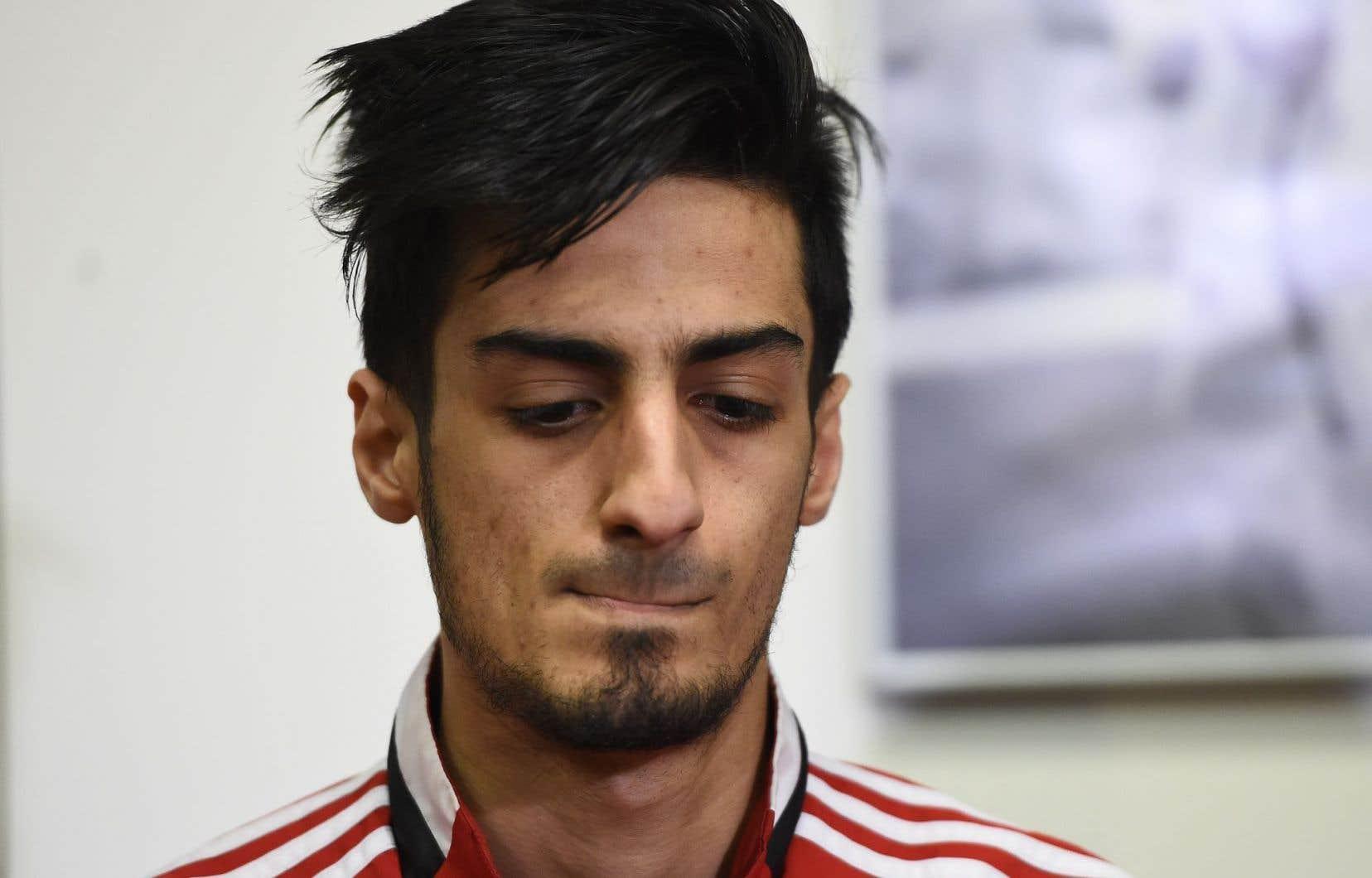 Le frère cadet de Najim Laachraoui, Mourad, a rencontré les médias lors d'une conférence de presse jeudi soir.