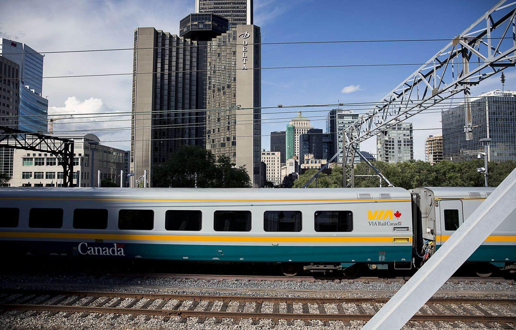 Les trains qui circulent sur les rails appartenant à Via Rail sont plus performants que ceux roulant sur les voies partagées avec les trains de marchandises.