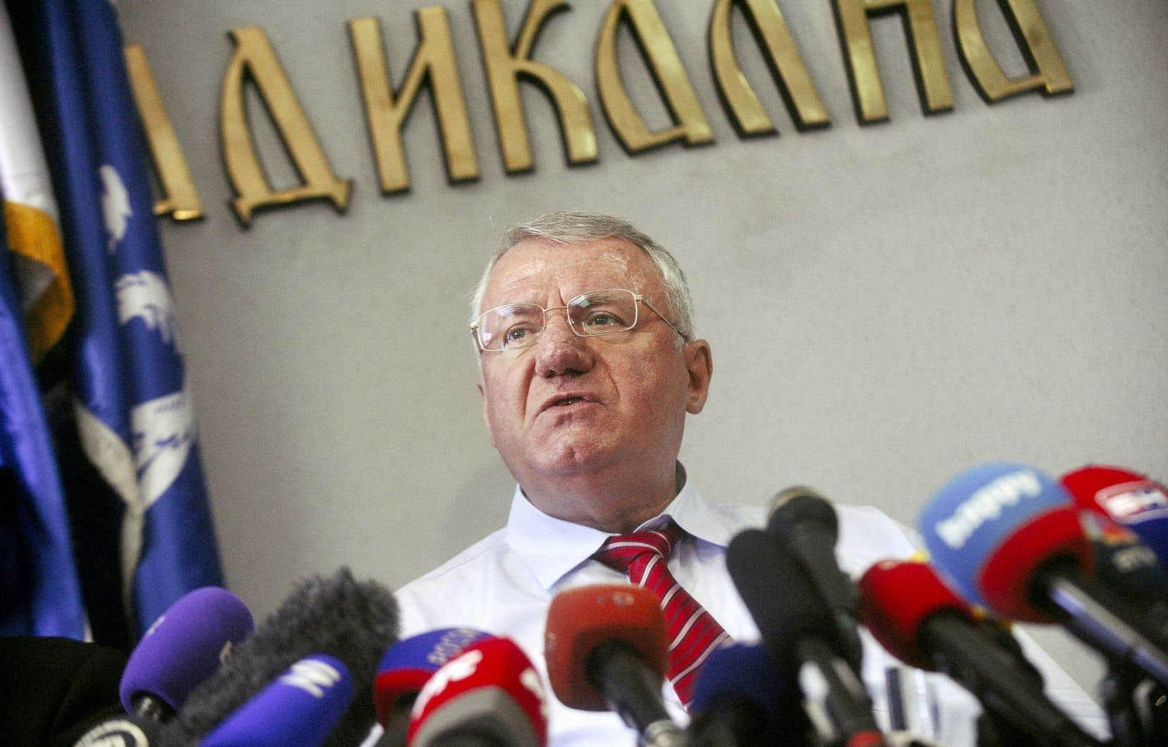 Vojislav Seselj a célébré jeudi son acquittement.