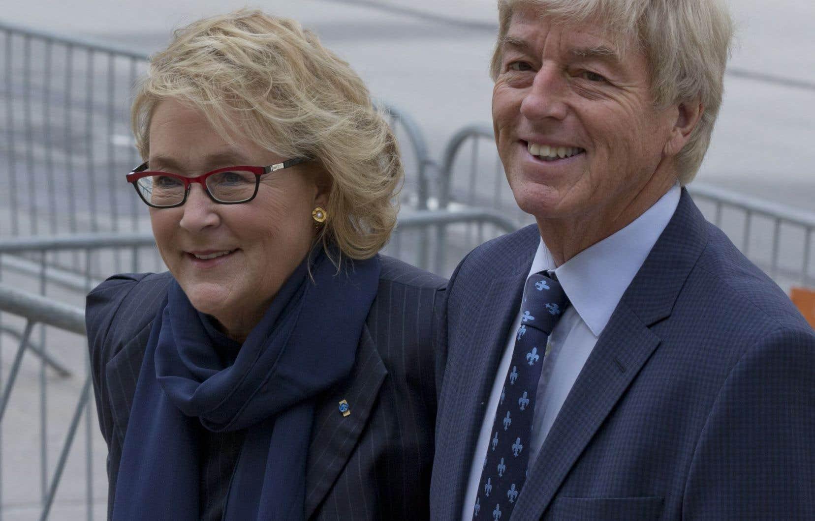 L'ancienne première ministre Pauline Marois et son mari, l'entrepreneur Claude Blanchet, étaient présents aux funérailles de Claire Kirkland-Casgrain.