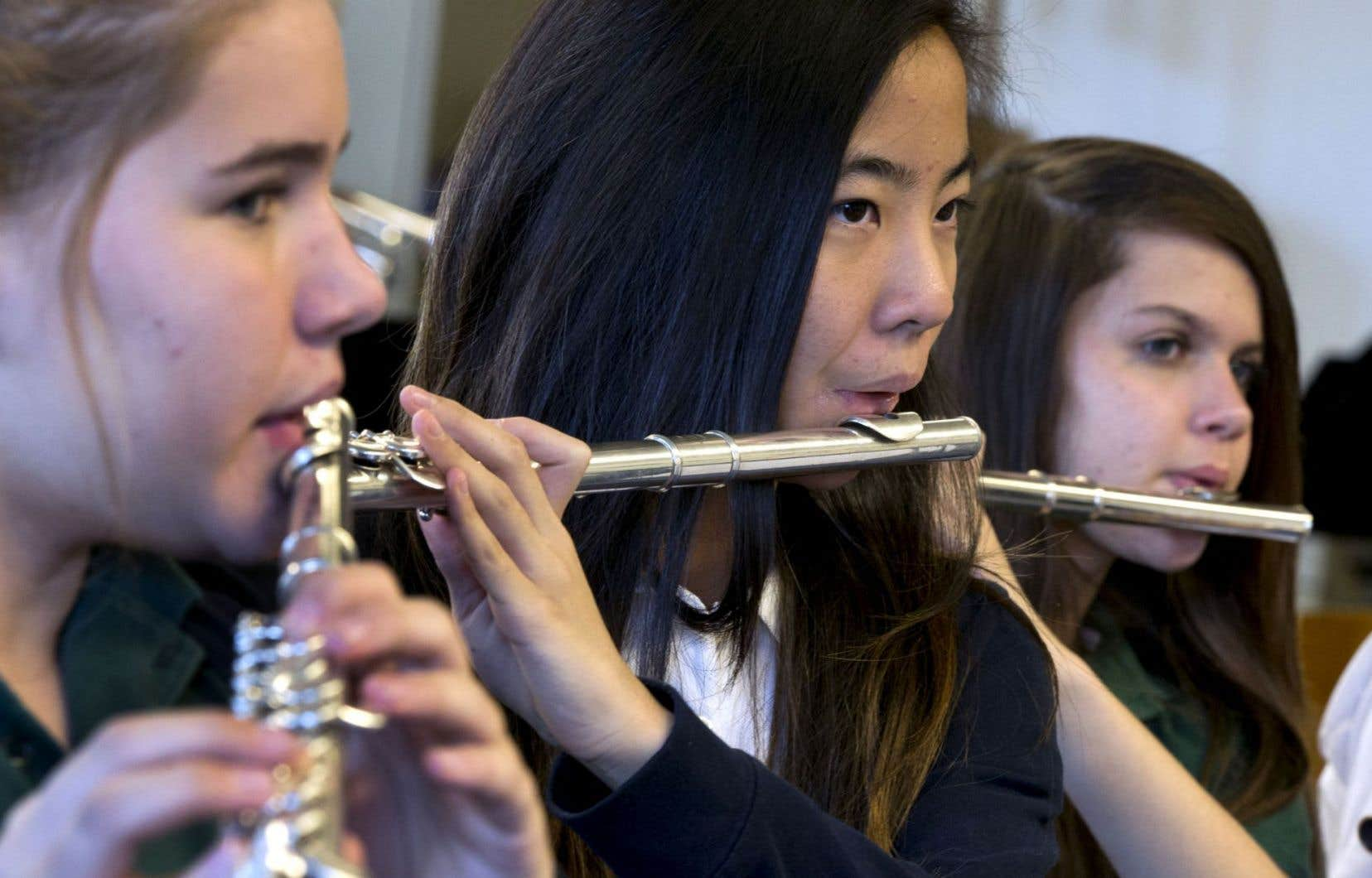 Passionné de musique, de science, de sport? Tout élève de la Commission scolaire Marie-Victorin trouvera une école qui correspond à ses goûts.