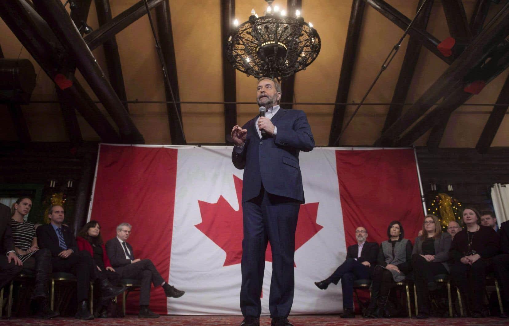 Thomas Mulcair s'adresse au caucus néodémocrate lors d'une retraite partisane à Montebello, le 19 janvier 2016.