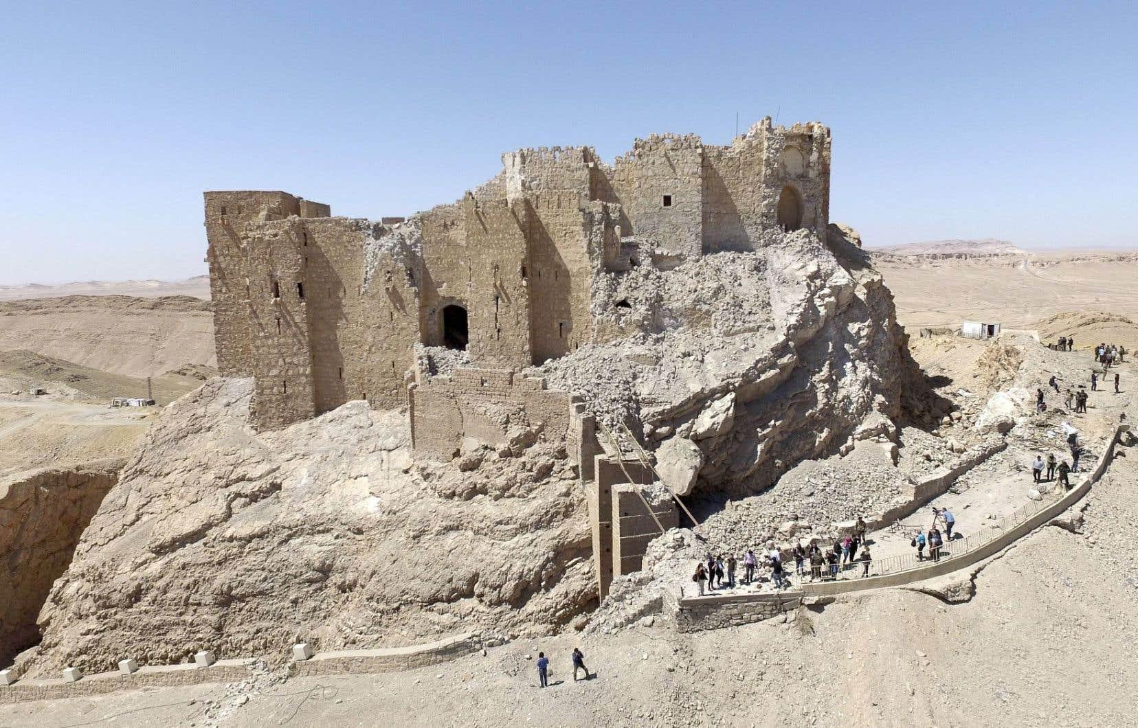 L'antique citadelle de Palmyre, partiellement détruite par le groupe terroriste État islamique.