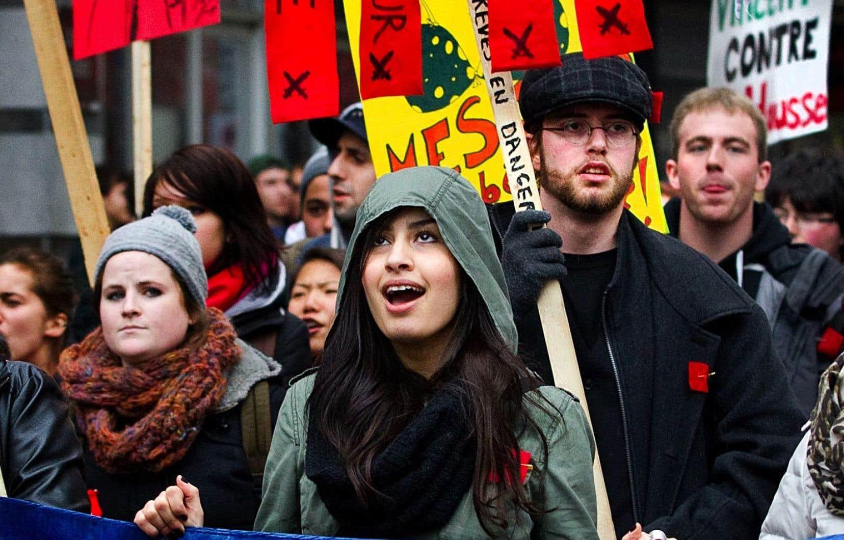 Les conservateurs de gauche valorisent une résistance commune dans la lutte contre l'injustice sociale, rejetant ainsi les autres luttes (féministe, étudiante,etc.), jugées secondaires.
