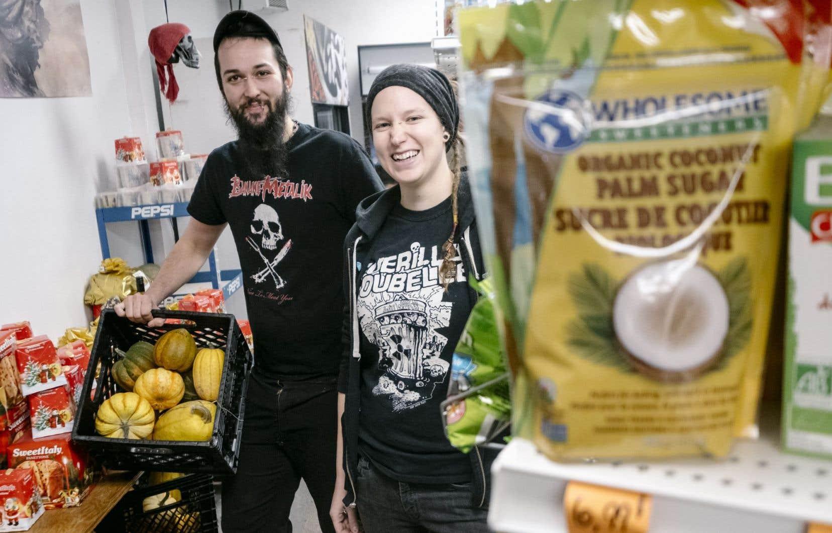 Ludovic Normand et Sophie Cloutier gèrent l'offre de la Punk-Icerie.