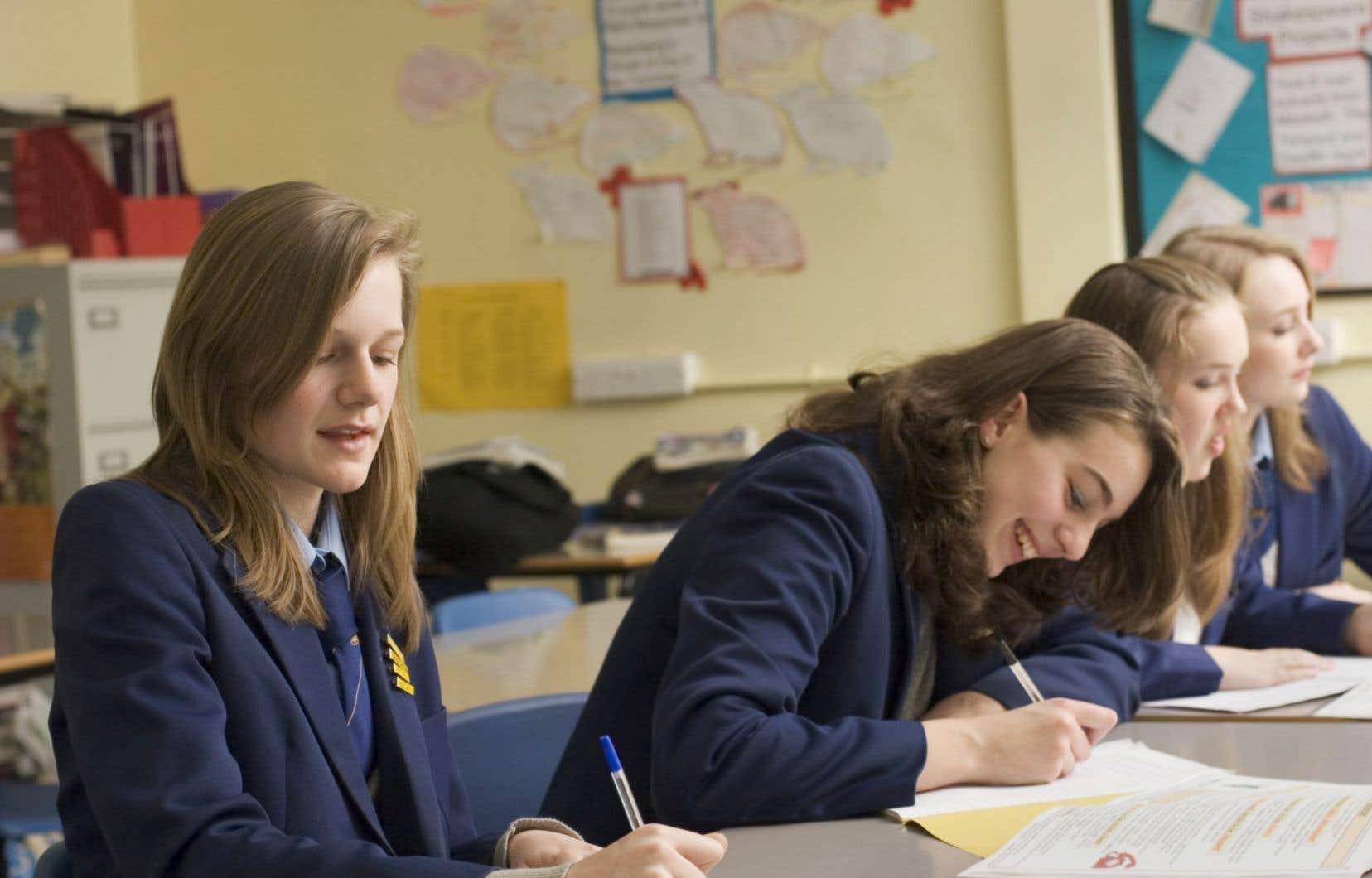 «Les coupes en éducation font mal, très mal, et il faut les dénoncer. Attaquer l'école privée est-elle la meilleure façon de le faire?», dénonce Jean-Marc St-Jacques.
