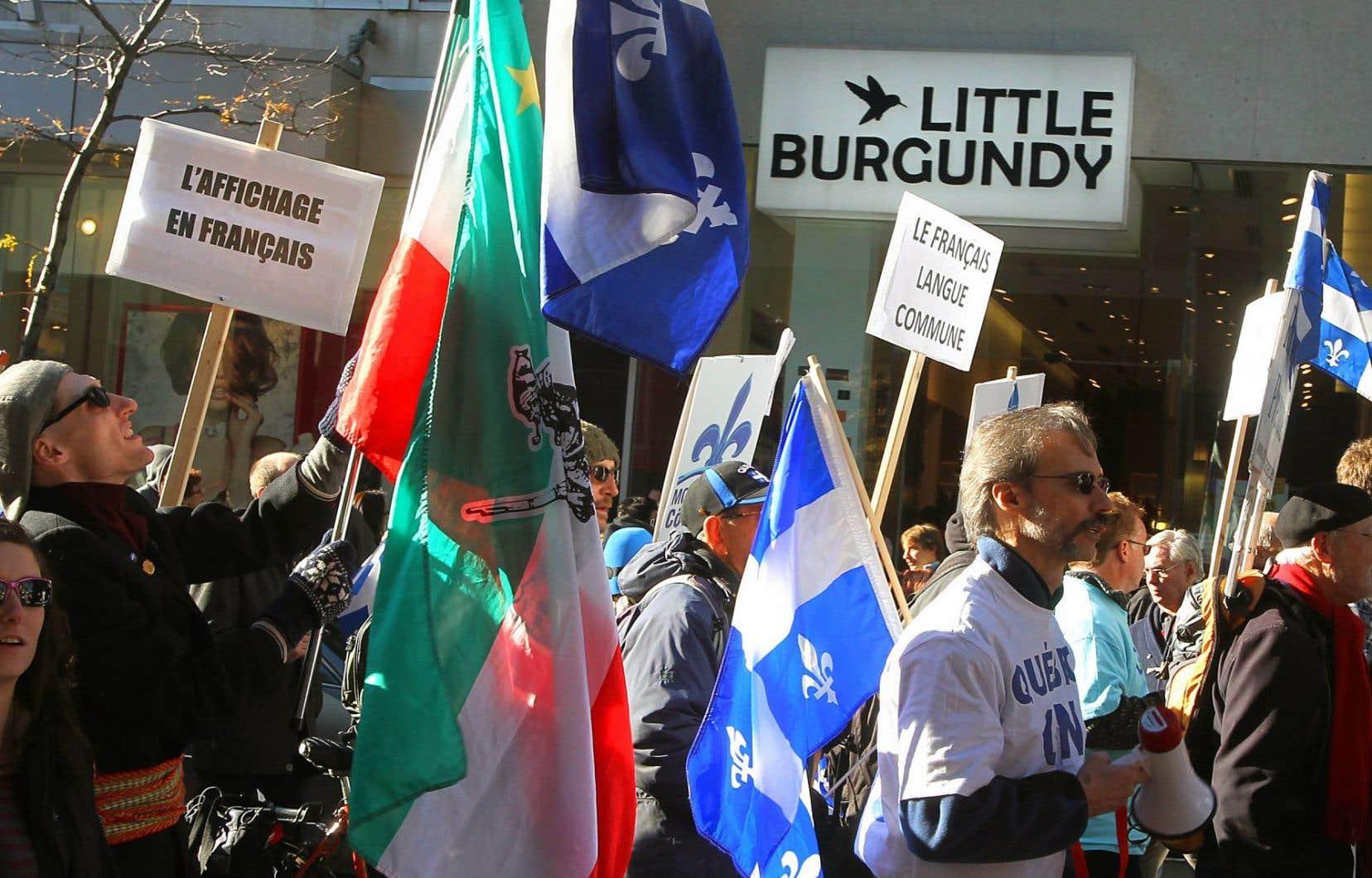 Une manifestation pour l'affichage en français, à Montréal