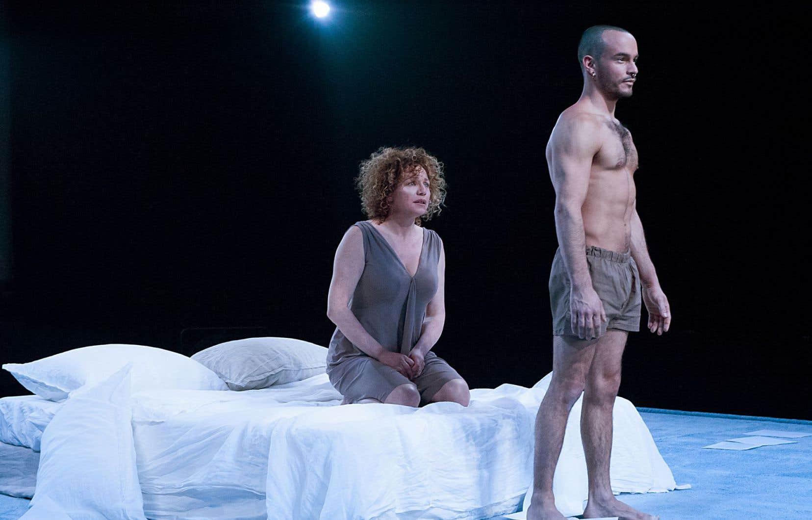Dans «Les lettres d'amour», Macha Limonchik est en équilibre précaire dans une proposition qui n'avait pas été taillée pour elle.