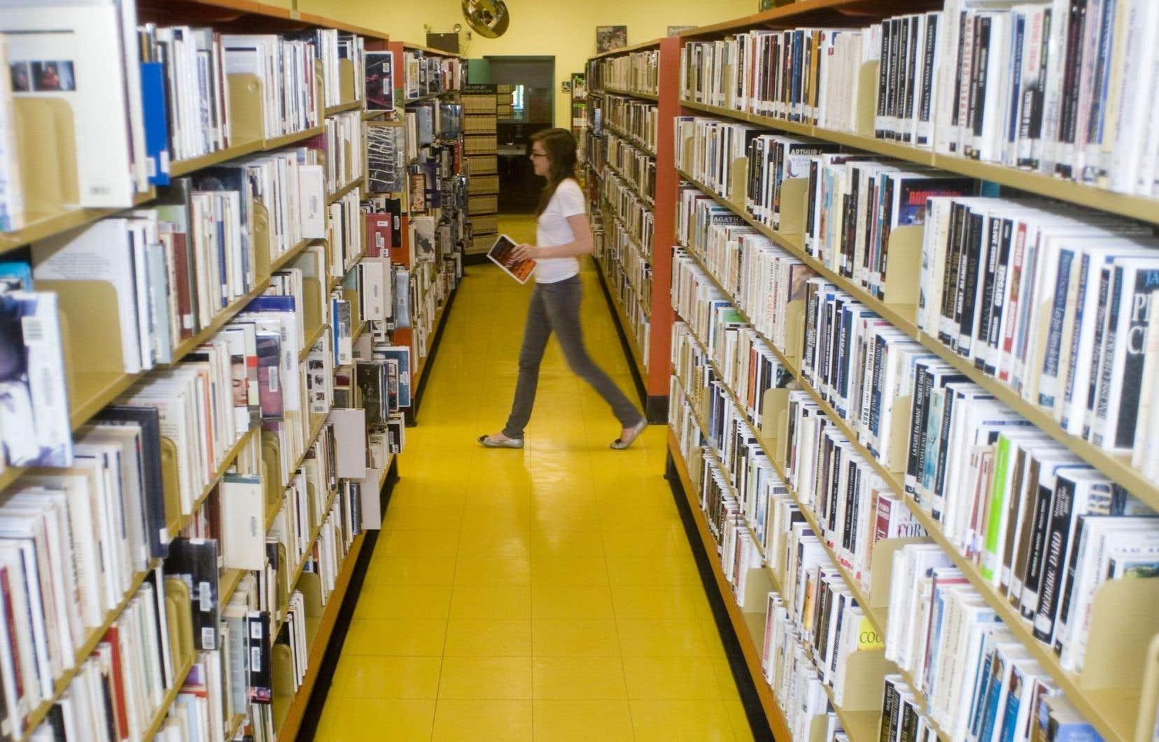 «Près de la moitié des gens qui se rendent en bibliothèque viennent pour une autre raison que l'emprunt de documents», soutient Ivan Filion.